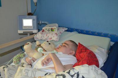 Dětští i dospělí pacienti Středomoravské nemocniční s plicní ventilací se mohou léčit doma